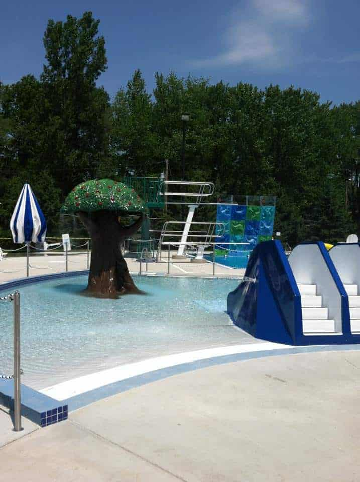 aquatic-center-la-crescent